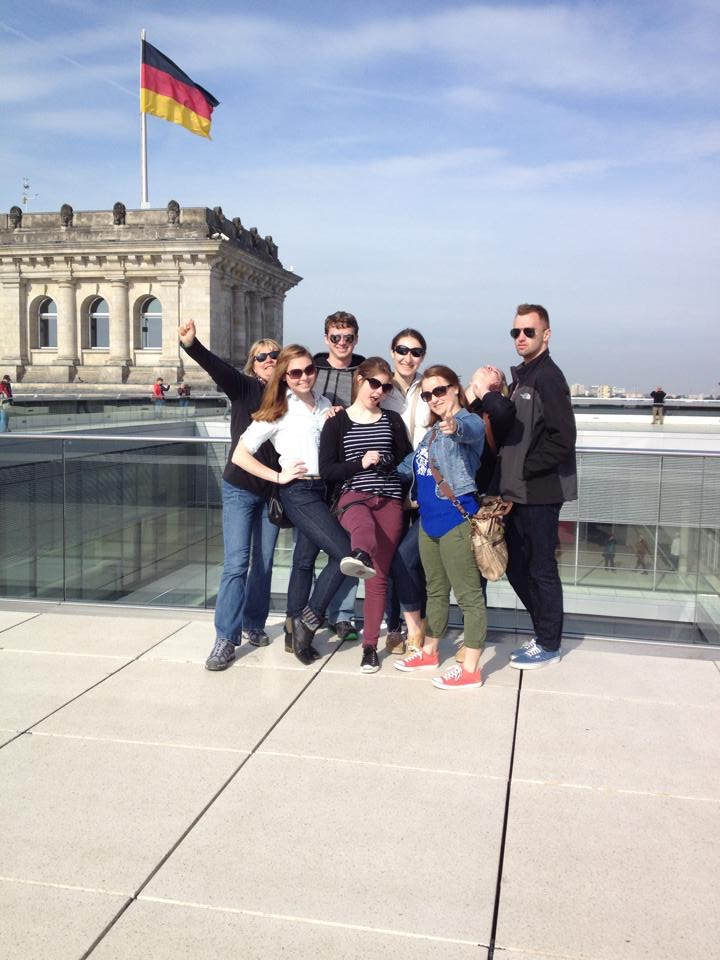 Professor Susanne Taylor with her students at the Reichstag