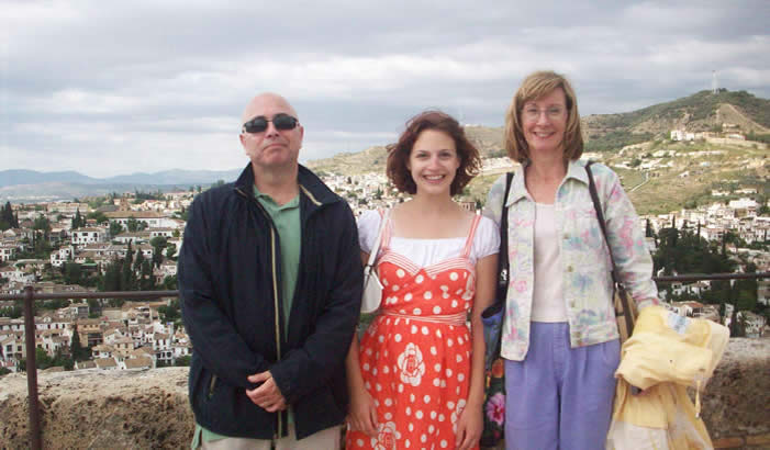 Alumna Nicole Nathan with Spanish Professors in Granada, Spain